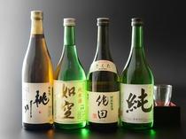 【各種地酒】取り揃えております。升(150ml)税別500円から。飲み比べも楽しんで下さい。