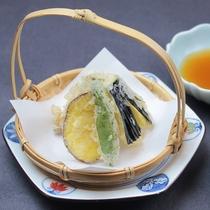 揚げ物:地元野菜の天ぷら