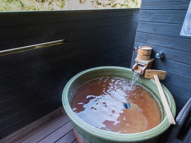 【客室露天風呂】お部屋でいつでも好きな時に温泉をお楽しみ頂けます