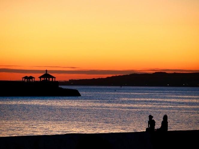 宿の前の桟橋は夕日スポットです。