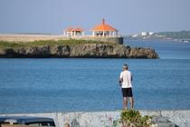 宿の目の前の桟橋で釣り。