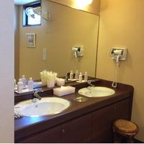 女性大浴場 洗面台