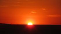 ・天気の良い日には水平線から徐々に姿をあらわす朝日がご覧いただけます
