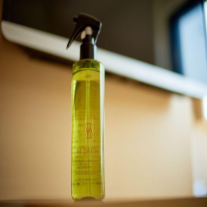 【清水香】気になる匂いがお洋服に残っていても、スプレーでしっかり消臭、除菌。