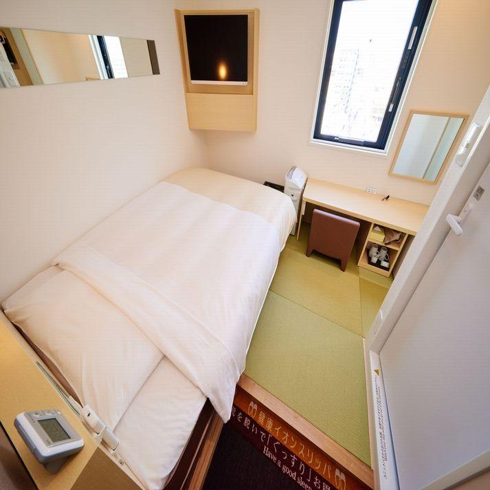 【和モデレートルーム】眠りを追及した150cm幅のワイドベッドと適度な硬さのマットでぐっすり