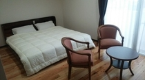 ダブルベッドの部屋