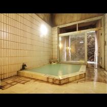【内湯一例】24時間いつでも入れますので、旅のスタイルに合わせて温泉を堪能!