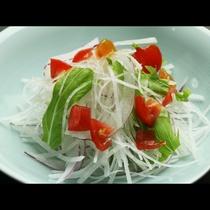 【ご夕食一例】素材の味を生かした手作り中心の郷土料理でおもてなしいたします。