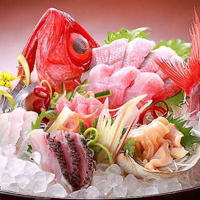 【ベーシックプラン】獲れたての豪華新鮮魚介の刺盛りと鮑の踊り焼き付き