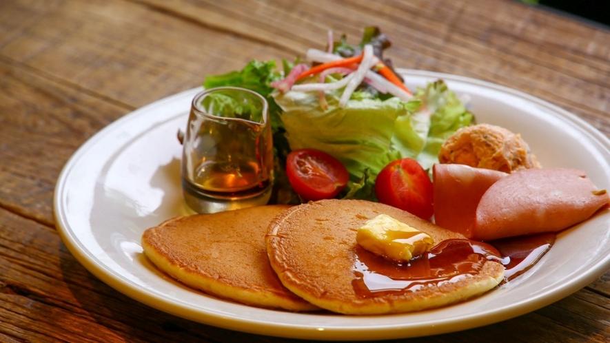 朝食パンケーキプレートイメージ