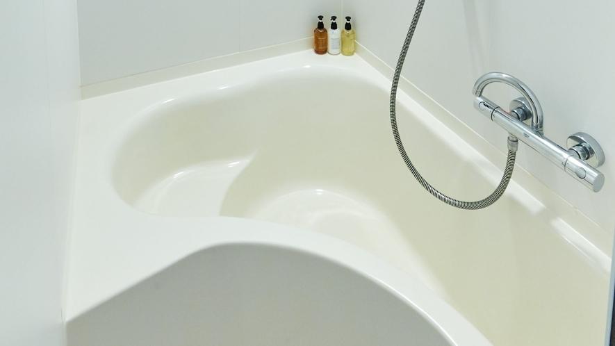 シングルルーム バスルーム一例