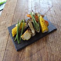 レストラン「EDIT DINING」ディナーメニュー グリル野菜盛り