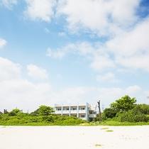 ビーチに面した海人の宿