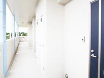 各階のエントランス、全6室