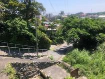 宿から徒歩30秒。わが村の風景。すぐ下に湧水があります。