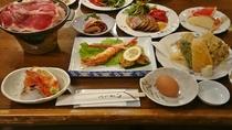 *夕食一例/地元の素材ををふんだんに使用した和洋折衷料理をご用意いたします。