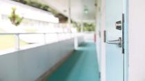 【プールサイド】廊下