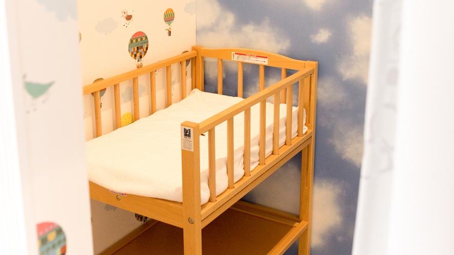 赤ちゃんがいても安心♡おむつ替えベッド