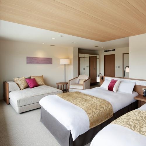【プレミアデラックスルーム】コーヒーメーカーやオーディオセットも完備した8室限定の特別客室です。