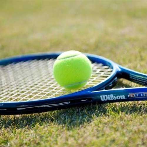 【硬式・軟式テニス】自然に囲まれたコートで爽やかな汗を流しませんか。