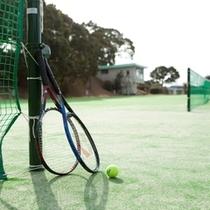 【通年】軟式・硬式テニス ★自然に囲まれたコートで爽やかな汗をながしませんか