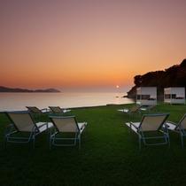 【無料プログラム:夕日に染まる浜】夕日が美しい時間帯「マジックアワー」へご案内いたします。