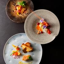【夕食:通年イメージ】三重の3大食材「伊勢海老・鮑・松阪牛」付の特別懐石