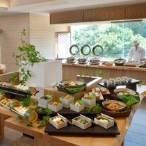 【朝食】伊勢志摩の恵みをふんだんに取り入れた和洋ブッフェ