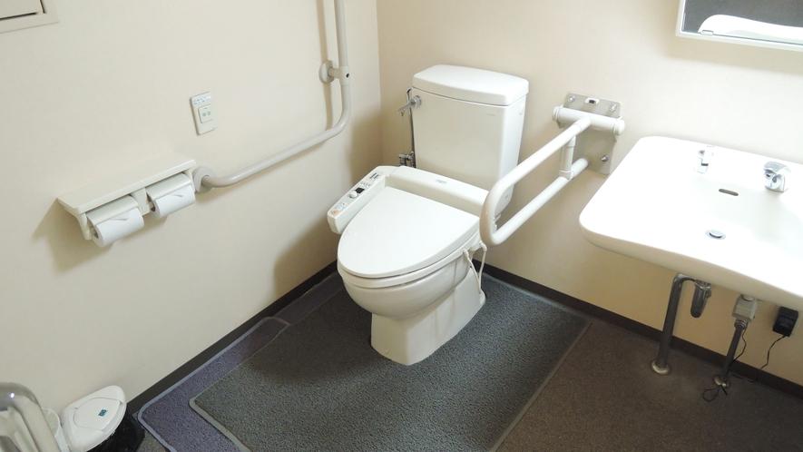 *館内一例:多目的トイレ