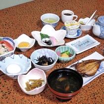 *朝食(一例)/これぞ日本の朝ごはん!という和食をお召し上がりください。