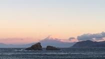 *赤富士と牛着岩