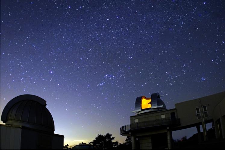 美星天文台と満点の星空2