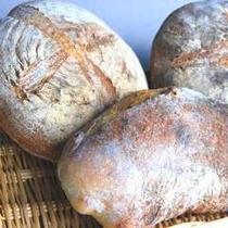 【朝食】天然酵母石釜パン