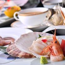 三陸の海の幸たっぷりのお料理。女性も満足