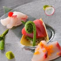 新鮮な素材を使用した海の幸輝くお料理!