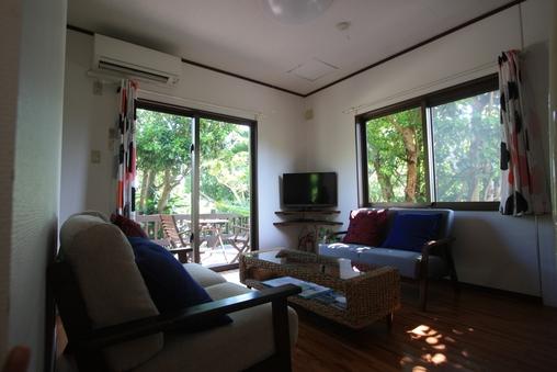 沖縄で暮らすようにステイ、一棟貸し切り隠れ家コテージ