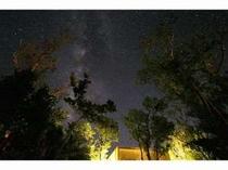 コテージから美しい星空が眺められます