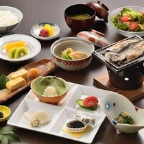 ご朝食一例_熱海名物の干物をご用意した和朝食