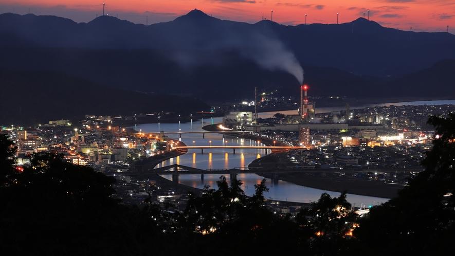 寺山いこいの広場から見る薩摩川内市の夜景
