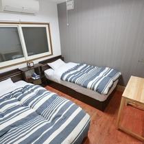 Twin Room。シンプルで清潔なお部屋です