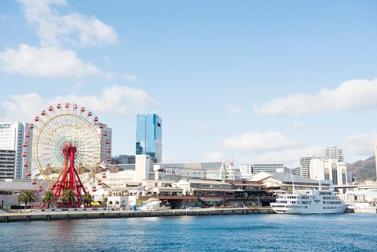 海から見た神戸港