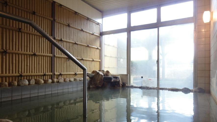 *<男湯/内湯>100%掛け流しの温泉をお楽しみください。