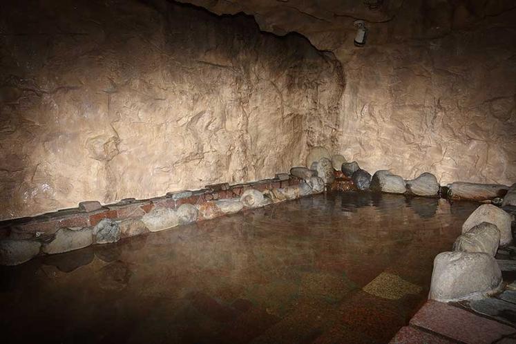 大浴場・洞窟風風呂