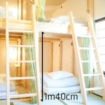 寝返りを打ってもきしまないオーダーメイドの2段ベッド