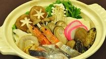 【ご夕食一例:浜鍋】三陸の魚介類を使った冬の定番、浜鍋。体の芯から温まります。