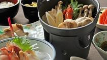 【秋・冬の夕食一例:ふだい浜かぜ】寒い季節に嬉しい、寄せ鍋。体の芯から温まります。
