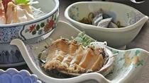 【秋・冬の夕食一例:ふだい浜かぜ】あわびのお刺身。普代村自慢の海の幸です。