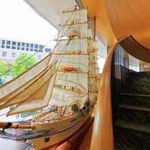 ■施設■港町横浜「海」を感じさせる館内施設