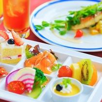 ■レストランディナー■目にも鮮やかな品々でお客様の舌を満足させるシェフの逸品。