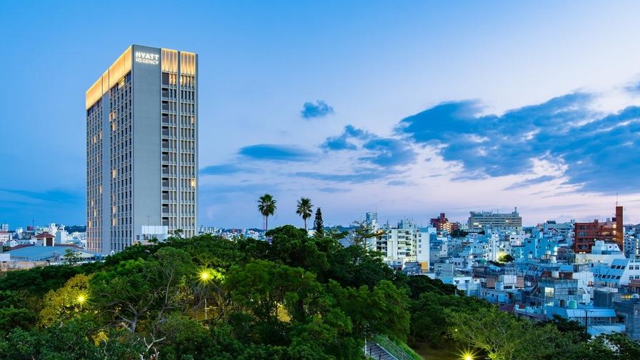 【楽パックSALE】贅沢な旅の幕開け…沖縄観光はハイアット那覇から!素泊り@シンプルステイ